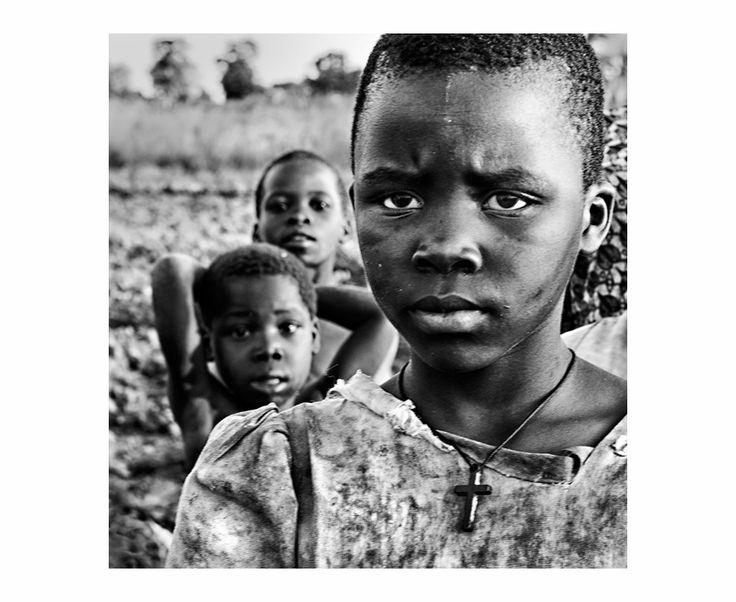 Esperanza | South Wind Pictures Laberintos del Olvido: Farmer Kids, Africa 2013