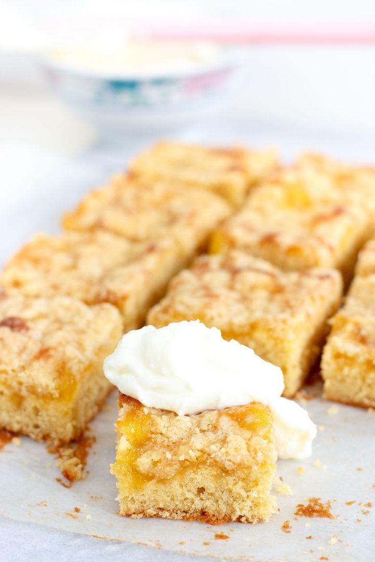 Lemon curd kruimelcake - Zoetrecepten. Zelf meer lemon curd op de cake gedaan, erg lekker
