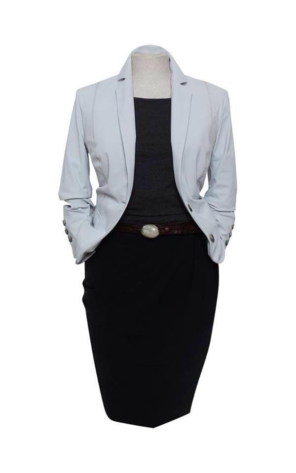 Purdey: zwarte jersey jurk en witte blazer in 2019 ...