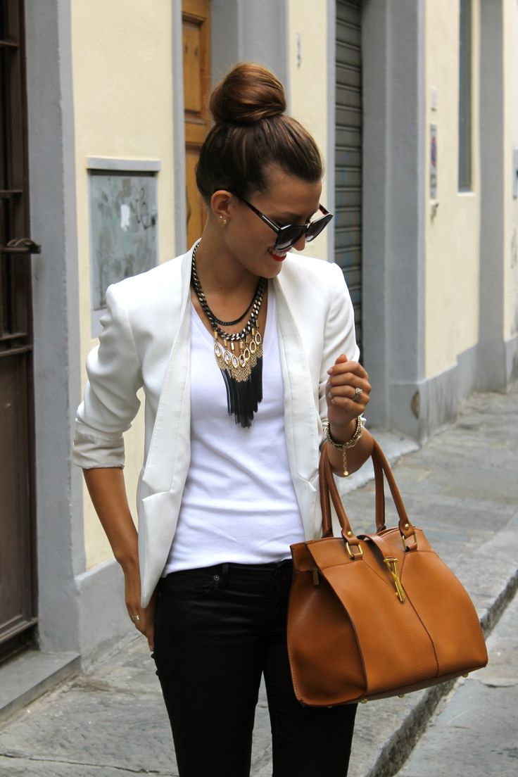 Love this look. Hair in bun with white tee, white blazer, black pants or leggings and a statement necklace