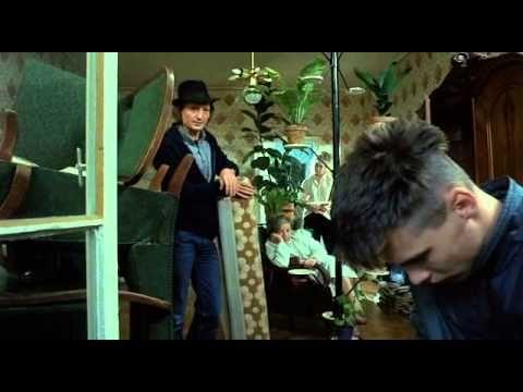 Szerelem második vérig (1987) - teljes film ***Főszereplők: Beri Ary (Füge), Szilágyi Mariann (Ágota), Czakó Ildikó (Gombóc), Újlaki Dénes (Füge apja), Jászai Joli (Mamó), Epres Attila (Gyula)