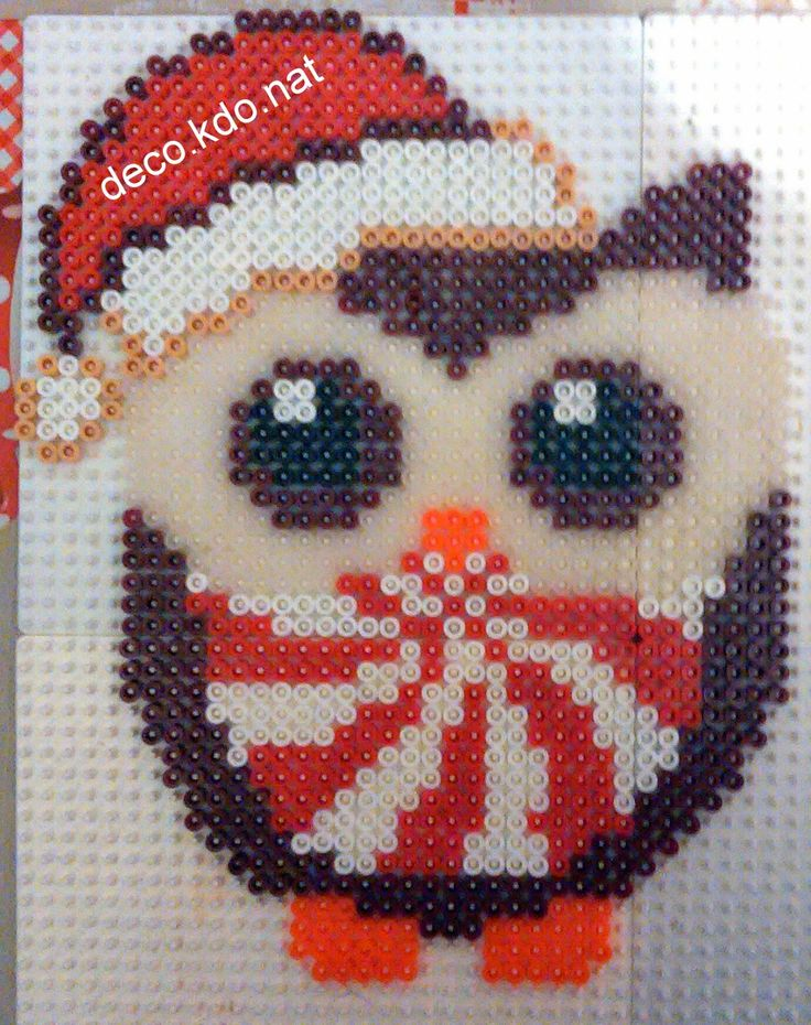 Christmas owl hama perler beads by Deco.Kdo.Nat - Pattern: http://www.pinterest.com/pin/374291419006039397/