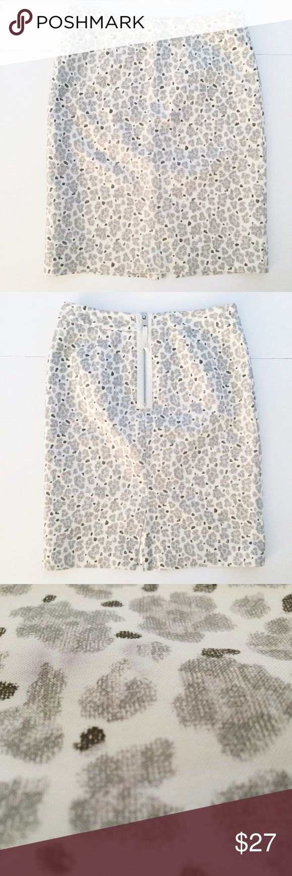 "LOFT Gray & White Animal Print Pencil Skirt 0 LOFT Silk Blend pencil skirt! White and Gray/Grey taupe Animal Print - leopard - cheetah. 19 3/4"" long, waist 13 3/4"", hem 17 3/4"" across, back slit 5"", back zipper 7 1/4"" long. Lined. Shell: 75% cotton and 25% Silk. Lining: 100% acetate. Silk Blend needs dry cleaning. Great overall condition. NO TRADES. LOFT Skirts Pencil"