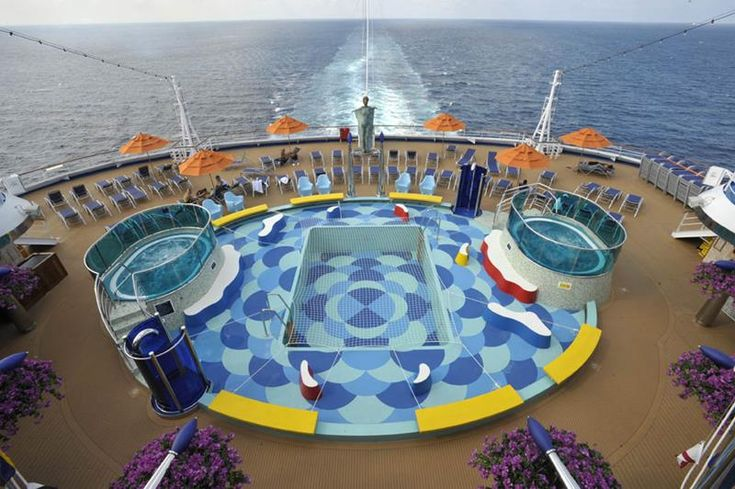 30 Stunning Pictures from the Carnival Dream