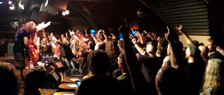 "Sepultura: Max & Iggor Cavalera spielen ""Roots"" in voller Länge https://www.likeitis93.com/sepultura-max-iggor-cavalera-spielen-roots-in-voller-laenge/"