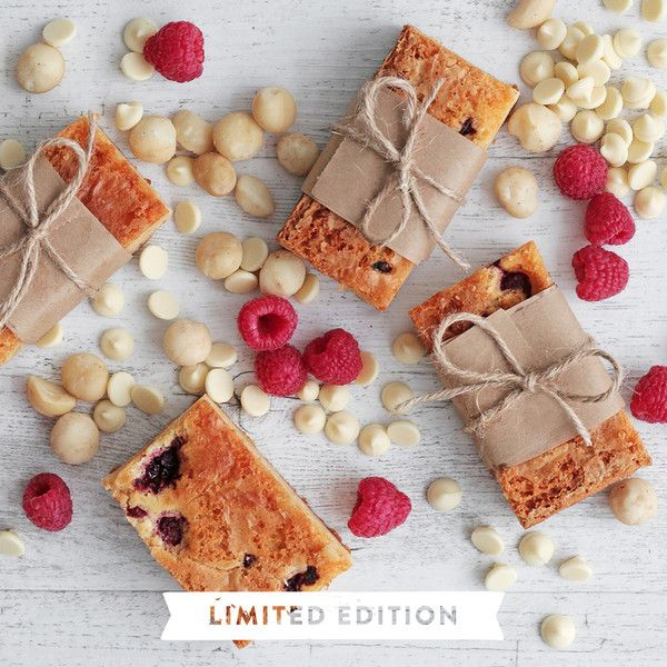 YouFoodz | Raspberry & Macadamia Protein Blondies $4.95 | A sweet sweet treat traced with raspberries, crunchy macadamias, protein and drops of white choc | #Youfoodz #HomeDelivery #YoullNeverEatFrozenAgain