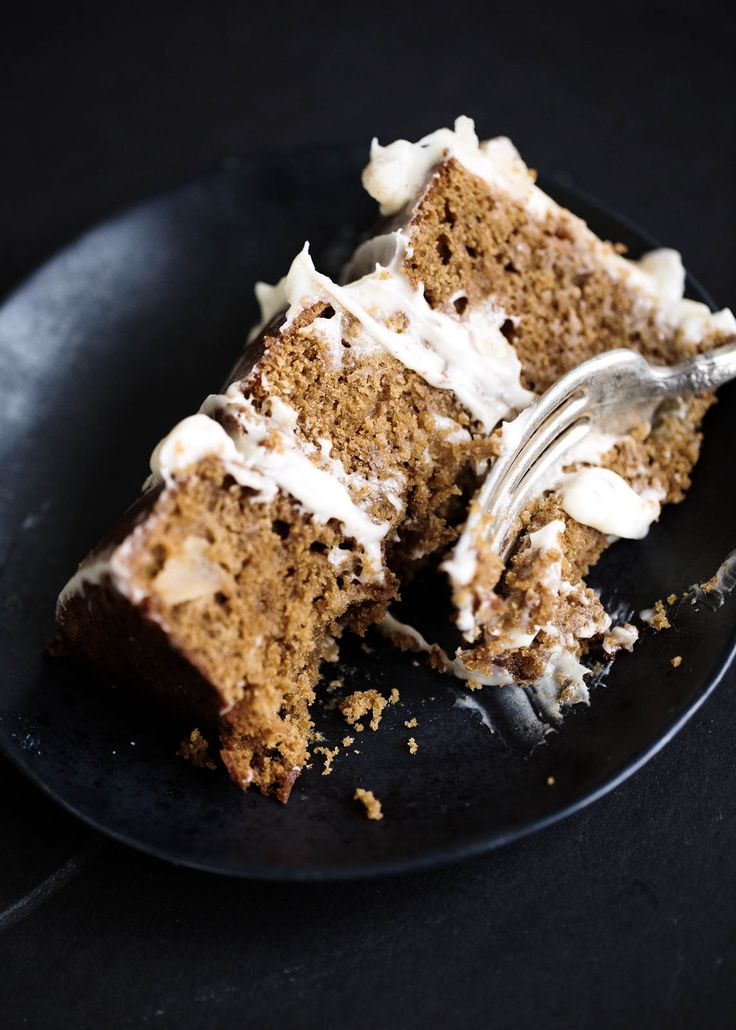 Ginger molasses cake with fresh apples and a creamy mascarpone frosting