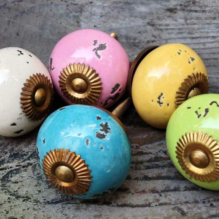 Ceramic Drawer Cabinet Knobs for pimping up shabby cabinets