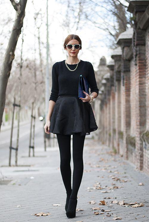 Collant opaque: comment le choisir? Photo total look noir. D'autres looks ici: https://one-mum-show.fr/les-collants/