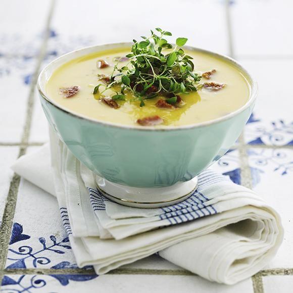 Sötpotatissoppa med kryddig korv