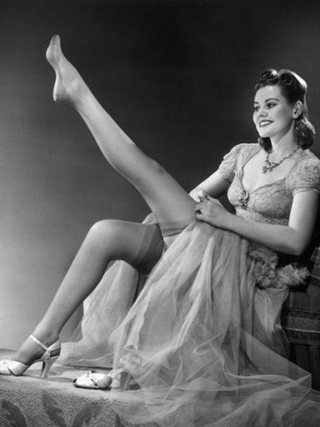 Vintage Hosiery 1950 S Vintage Stockings Poised Pose