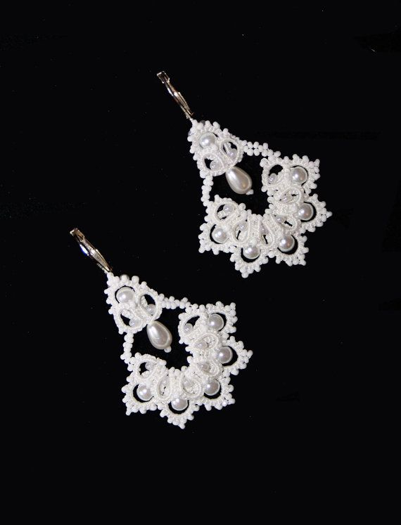 """English tutorial for tatting lace earrings - shuttle lace- photos, instructions  Tatting """"The Bells"""" earrings. Pattern and Tutorial.  Frivolite lace"""