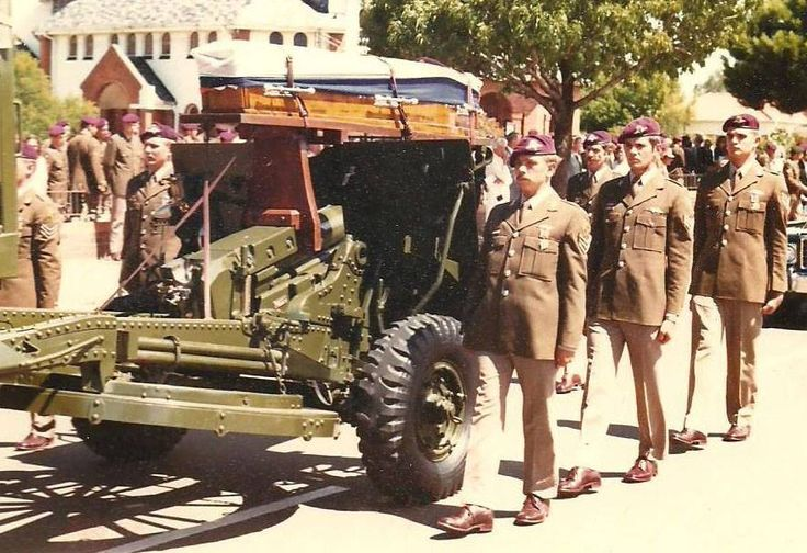 Saying Goodbye of a fallen comrade. 1Parachute Battalion South Africa