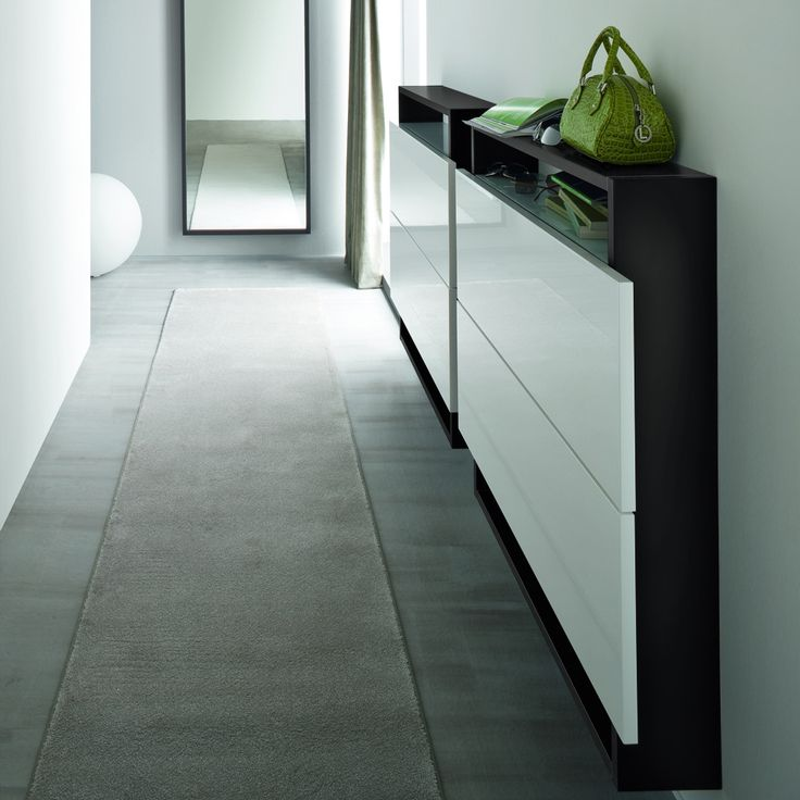 Shoe Cabinet 'Style'. Can go in the hallway or any other room according to your tastes and needs. High quality materials.