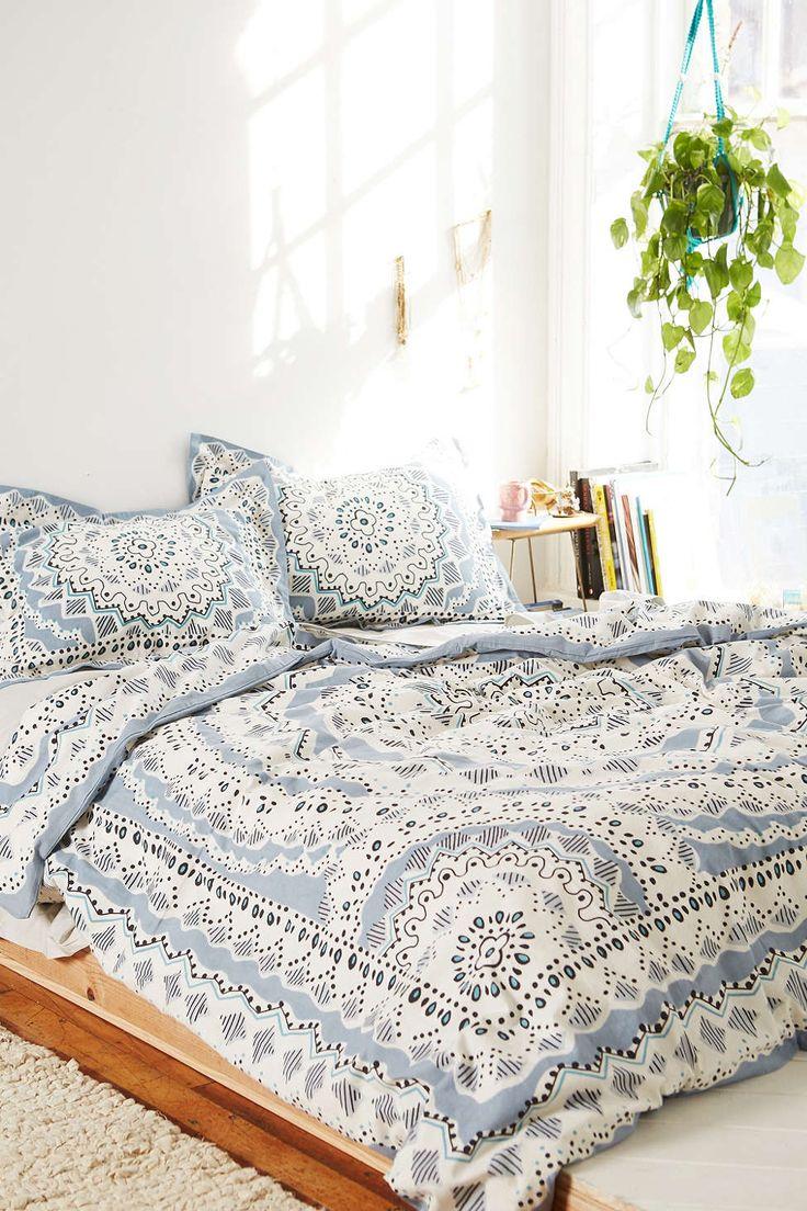 Beautiful duvet cover ideas - Plum & Bow Mia Medallion Duvet Cover - Urban Outfitters