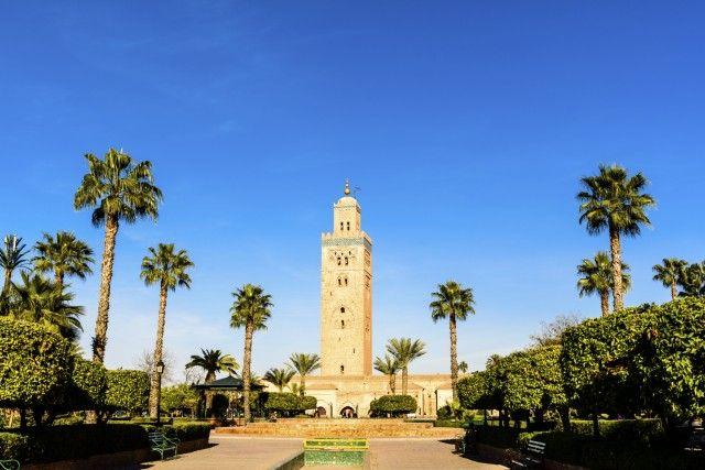 Cari Pirati, vogliamo farvi scoprire il fascino del Marocco, Paese che vi incanterà. Vi proponiamo un bel viaggio a Marrakech, detta anche la città rossa per i suoi numerosi edifici in pietra arenaria. Il tutto ad un prezzo davvero invitante.   La rinomata piazza Jemaa el-Fna offre quello che è forse il più grande spettacolo all'aperto…