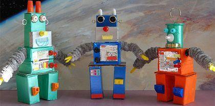 Como hacer robots con cajas de caramelos. Manualidades para niños. Http://assets.archivhadas.es/system/images/attachments/10407/big_robots_item.jpg?1293096828. Muchas veces no sabemos cómo reciclar las cajas de cartón que vamos acumulando en casa....