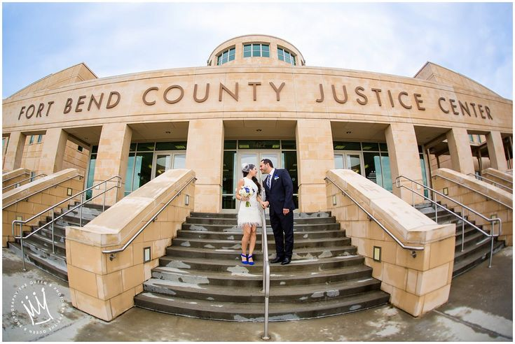 Houston Wedding Photographer | The Queen B Photography | Fort Bend County Justice Center Wedding| Courthouse Wedding | Bride and Groom Fun Portraits