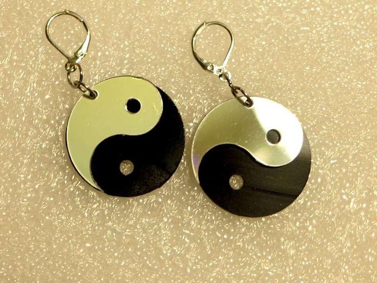 inventorArtist » Yin Yang Earrings – Vinyl and CD