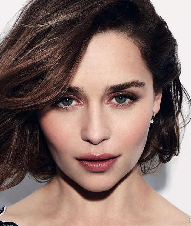 #NewsBazaar La actriz Emilia Clarke se convierte en el rostro de una nueva campaña de belleza de la firma italiana Dolce & Gabbana. : @dolcegabbana. #BazaarMx #HarpersBazaarMx #ThinkingFashion #EmiliaClarke  via HARPER'S BAZAAR MEXICO MAGAZINE OFFICIAL INSTAGRAM - Fashion Campaigns  Haute Couture  Advertising  Editorial Photography  Magazine Cover Designs  Supermodels  Runway Models