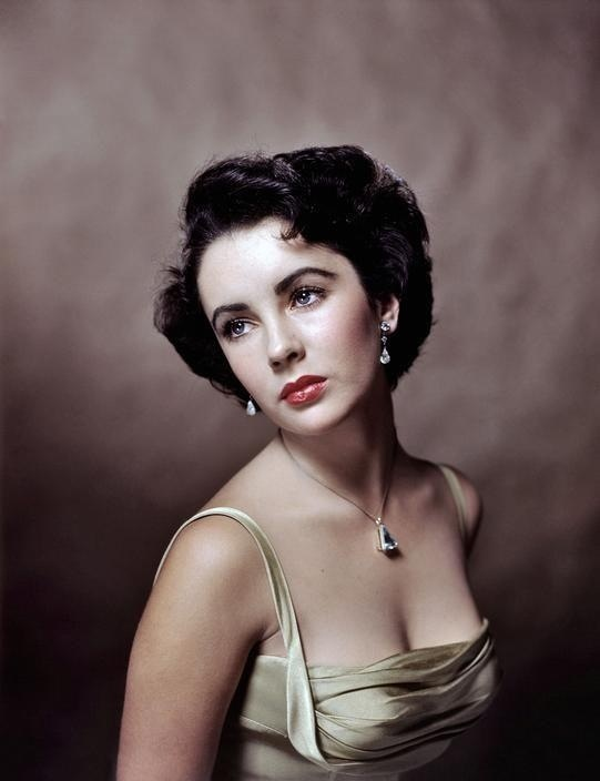Elizabeth Taylor photographed by Yousuf Karsh. 1948.