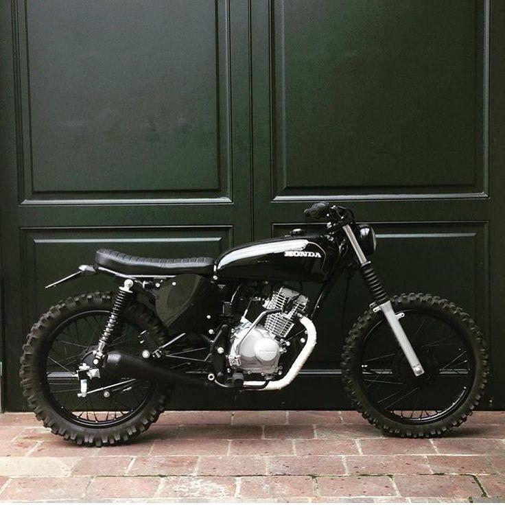 "dropmoto: ""Low, lean, mean. Killer Honda custom courtesy of @cocosarr. Thanks…"