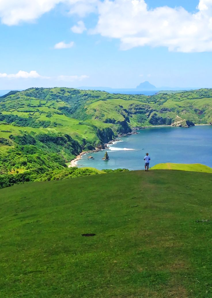 Escape to a green wonderland up north! Travel, tour & discover the beauty of Batanes (my beloved hometown) with the help of this 'Top 10 Things to Do' list!   via http://iAmAileen.com/batanes-top-10-things-to-do-travel-tour-discover-stay-philippines/ #travel #batanes   Photo by Butch Dalisay / CC