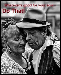 Pareja que baila tango  habitualmente en San Telmo - Buenos Aires - Argentina
