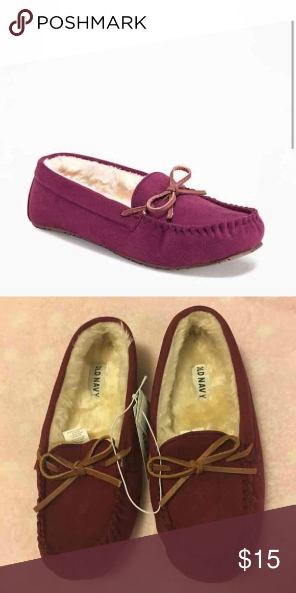 NWT Old Navy Women's Moccasin Slippers. New Sueded Sherpa-Lined Moccasin Slippers.               Color Borscht. Women's Size 6. Old Navy Shoes Moccasins