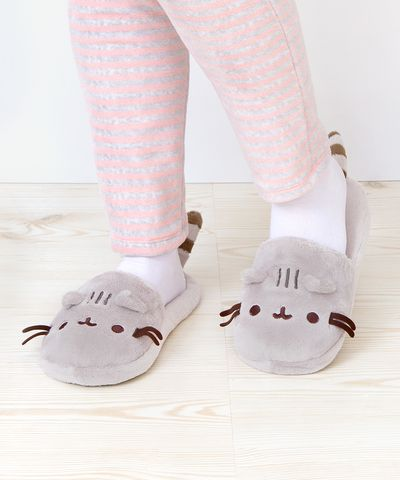 Pusheen the Cat plush slippers Oooooh I want a pair!!!!!!!
