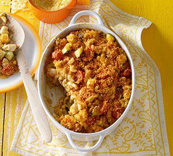 Macaronischotel met kip en pesto