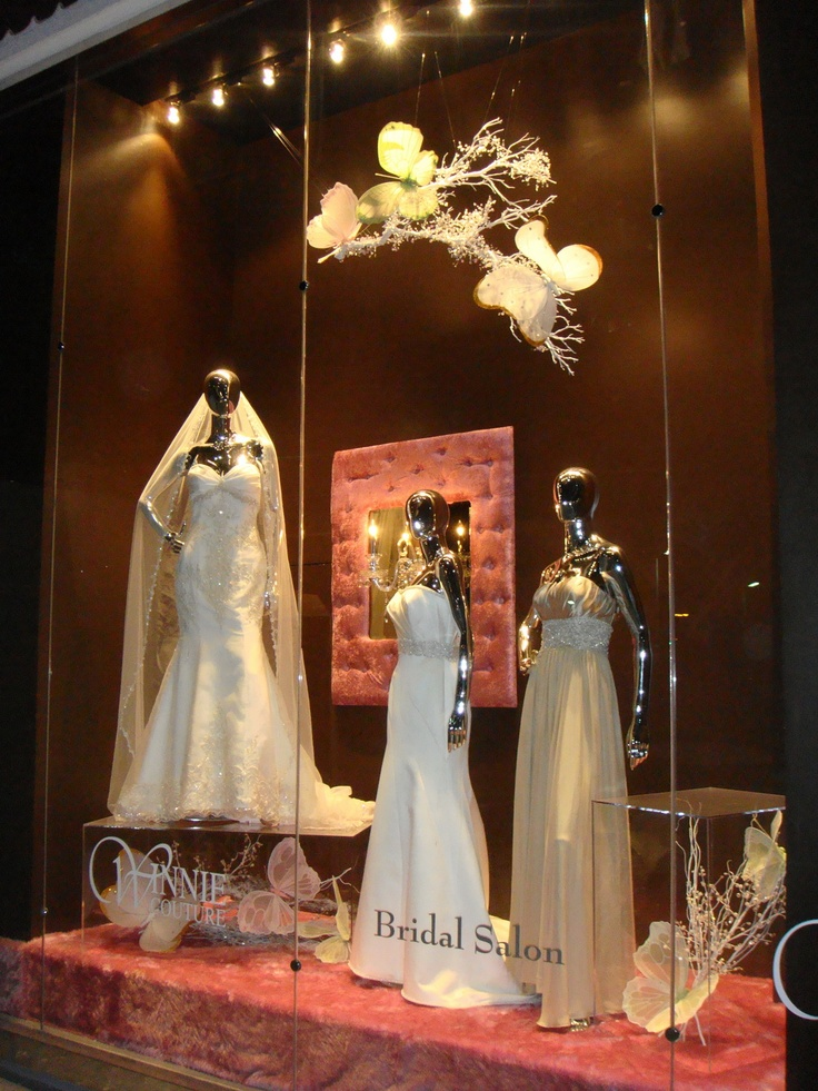 Winnie couture flagship bridal salon window display the for Salon xmas decorations