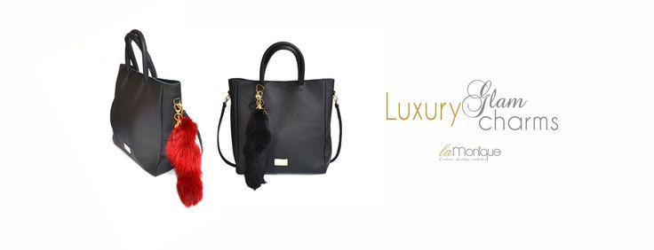 butik on-line: www.la-monique.com , kolekcja Luxury Glam Charms, kopertówka, moda, styl, ulica, wieczor, noc, luksusowe, Luksusowe, zawieszki , złote , heart , futrzane breloki , fur, fox, rabbit, natural, pendant, Keychain , New, accesories, colour, Gold, heart ,