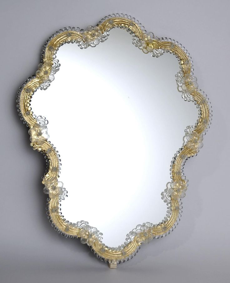 """Bovary"" #Murano #glass #mirror #beauty #classic #design #handcrafted #decor #Muranolampstore https://www.muranolampstore.com/en/murano-glass-mirror-bovary"