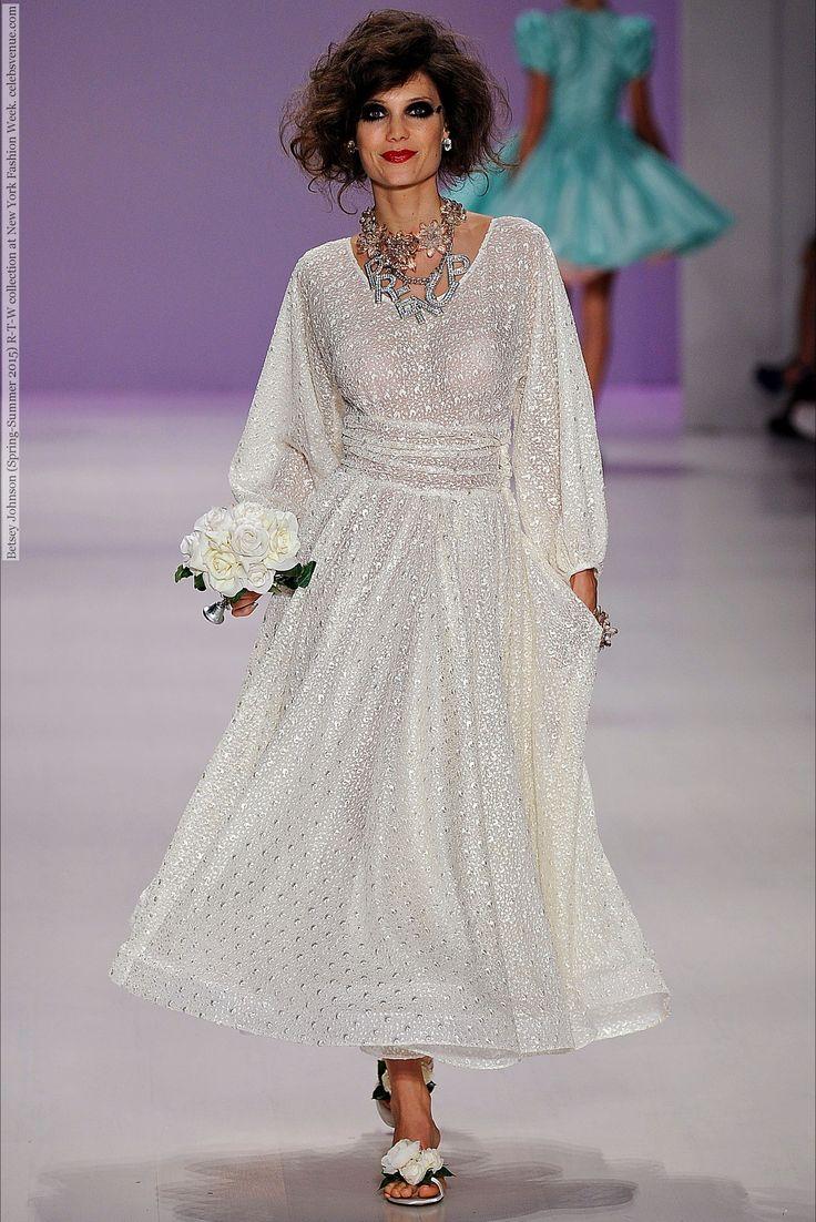 52 best Wedding Dresses images on Pinterest | Wedding frocks ...