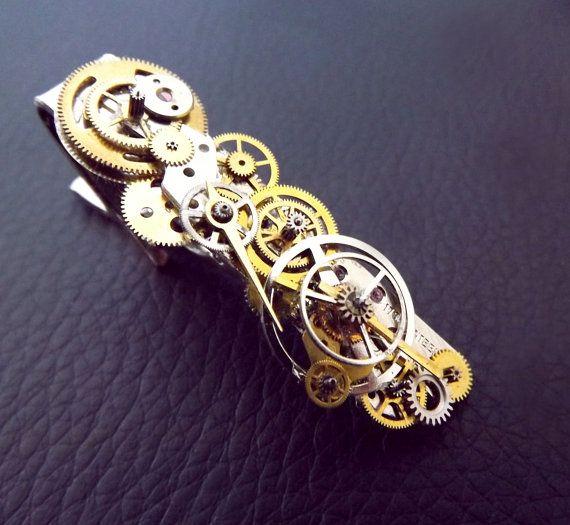 Classical mystique' Steampunk watch gear tie clip