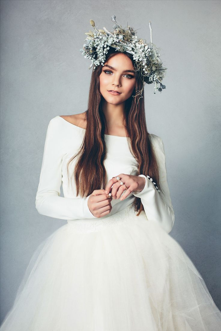 Elizabeth Stuart Lookbook - Jessica Withey Photography - Floral Crown