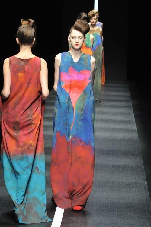 Hiroko Koshino 2013/2014 A/W Collection. Japan Fashion Week blending colours, tie dye feel, old worn