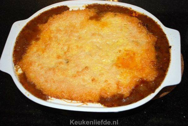 Een typisch Engelse gerechtis deze cottage pie: een hartverwarmende ovenschotel met gehakt en aardappelpuree. Een blijvertje in huize Verweij!