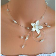 """Collier mariage """"lumielle"""": fleurette ivoire,perle nacrées  et cristal"""