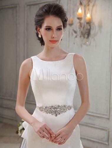 Vestido de novia de satén de color marfil con escote redondo de estilo…