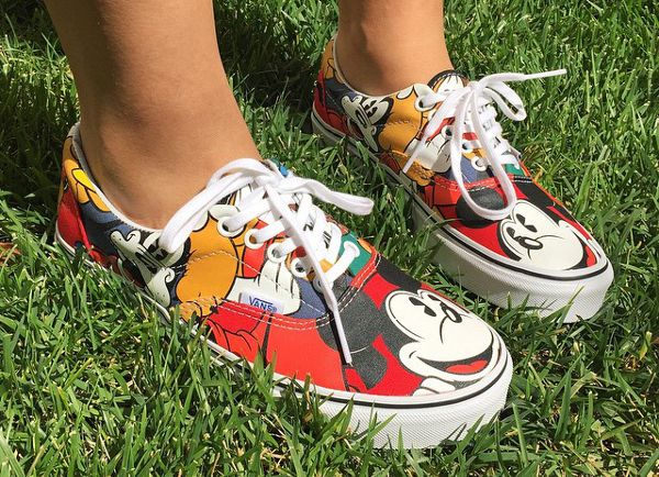 Vans Era Mickey amp Friends X Disney 30 DLYSNKRSVANS