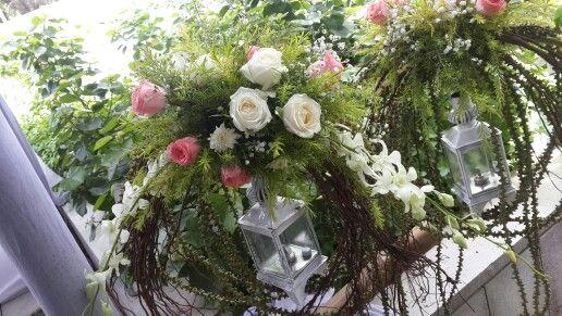 White lantern fresh flowers decor