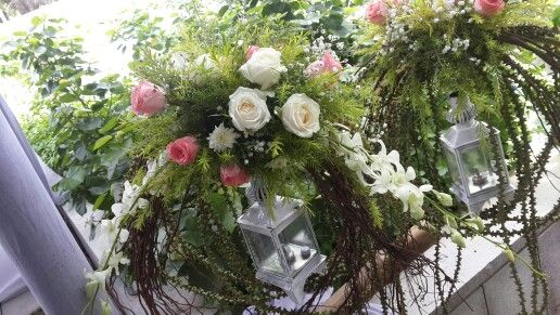 White lantern fresh flowers decor