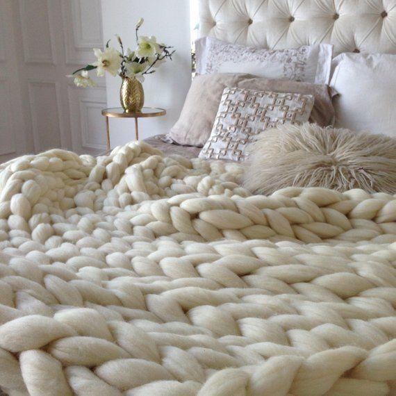 Chunky Knit Merino Wool Blanket Wool Blanket Queen Wool Blankets Throw 100 Wool Blanket Pure Wo Knit In 2020 Knit Throw Blanket Woven Blanket Big Yarn Blanket