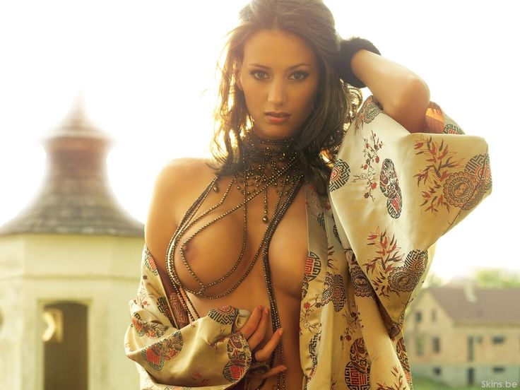 Ripli Zsuzsi was the 1st Playmate of the Year in my life. ;-)