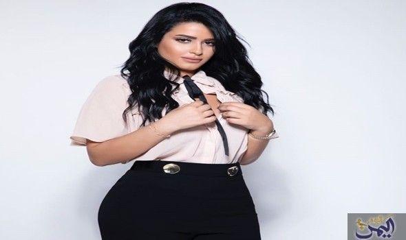 ملكة جمال المغرب تلبي دعوة مأدبة السحور في الإمارات High Waisted Skirt Fashion Women