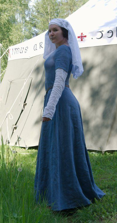 linen kirtle **her site has several 14th/15th century dresses