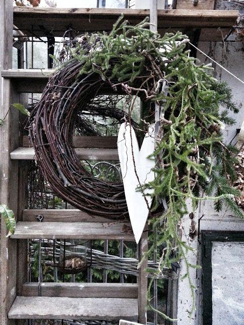 A wreath ähnliche tolle Projekte und Ideen wie im Bild vorgestellt findest du auch in unserem Magazin
