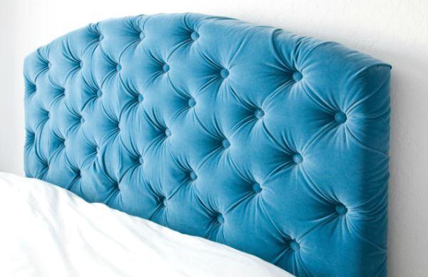 Fazer uma sofisticada cabeceira de cama é mais fácil do que você imagina (Foto: schuelove.com)
